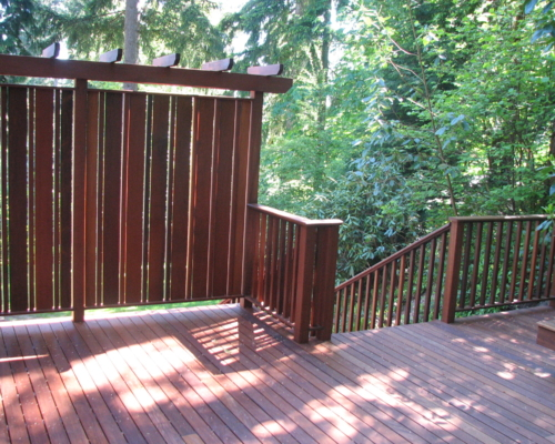 The new deck with privacy screen