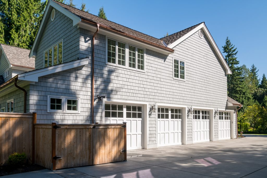 Garage with four bays