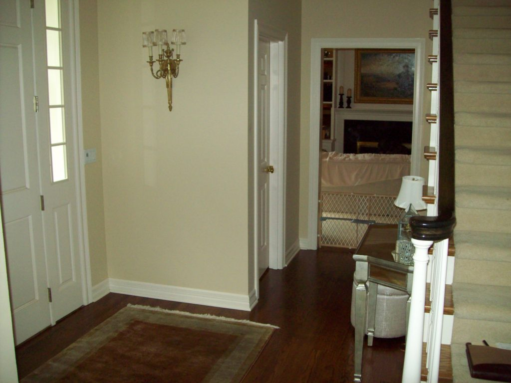 Interior entryway before the remodel